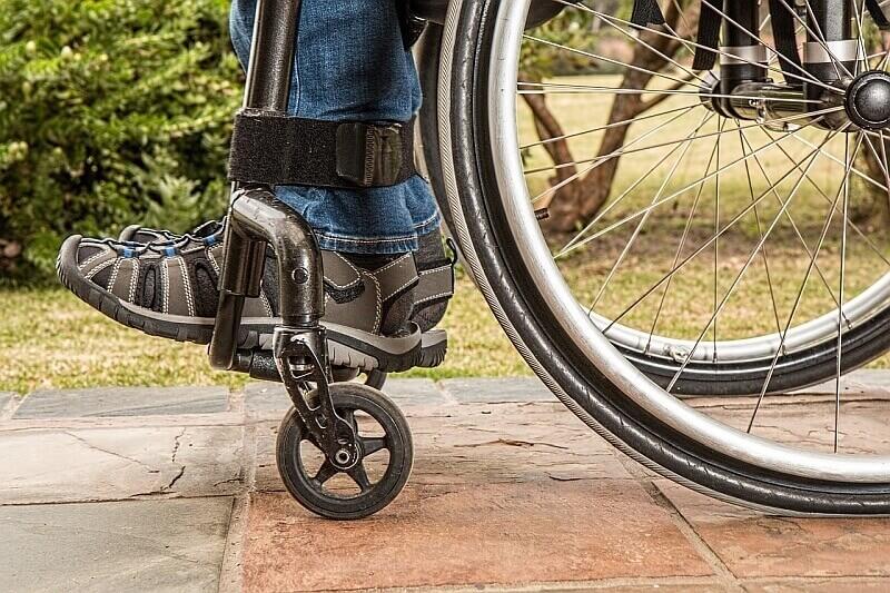 Świadczenia opiekuńcze i rehabilitacyjne - komu przysługują?